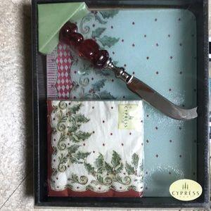 Holiday cheese tray / knife, cocktail napkin set
